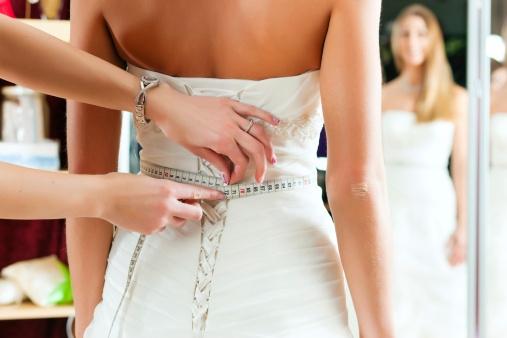w poszukiwaniu idealnej sukni ślubnej