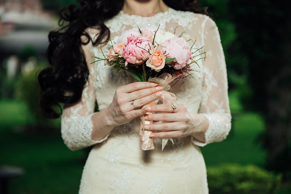 6 sprawdzonych porad dla Pań wybierających suknie ślubną