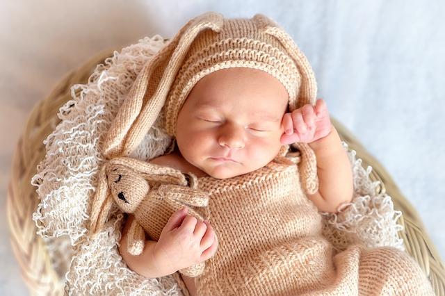 Przewijak dla niemowląt – tak czy nie? Odpowiadamy