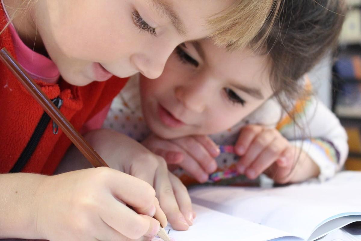 dzieci szybko opanuja angielski
